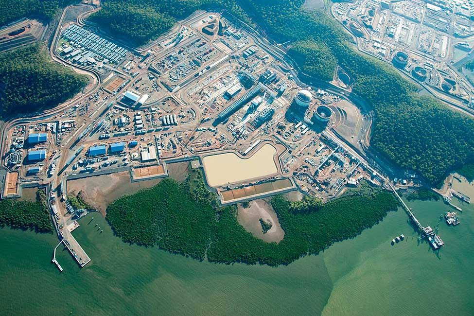 155536-bechtel-queensland-curtis-island-lng-aerial-view-project-2013